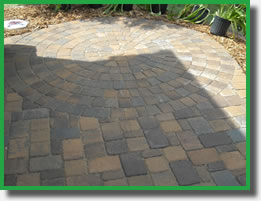 Circular brick patio pattern